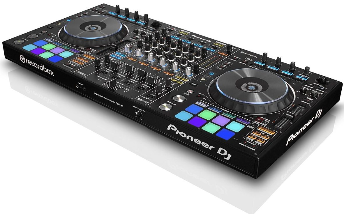 Best dj controller ultimate guide my house radio for Dj controller motorized platters