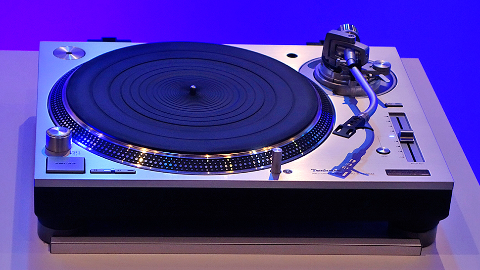 technics sl 1200g the post djs have been waiting for. Black Bedroom Furniture Sets. Home Design Ideas
